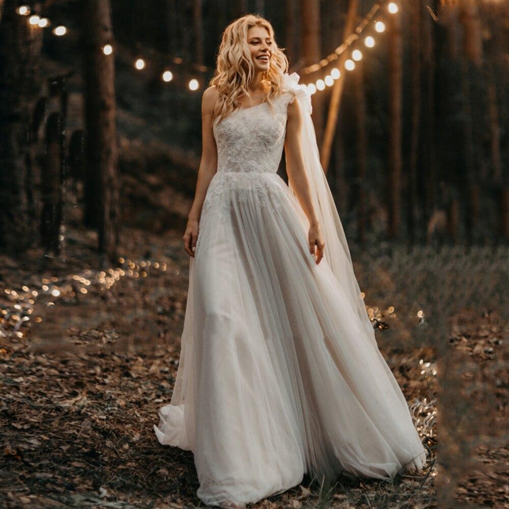 Get Elegant One Shoulder Wedding Dress A-Line Tulle Sleeveless Pearls Lace Appliques Sweep Train Bridal Gowns 2021 Vestido De Noiva