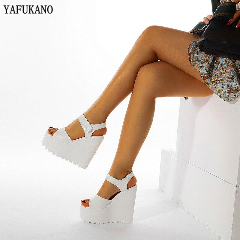 Sandalias de tacón súper alto de 15 Cm, sandalias de mujer a la moda en negro y blanco, sandalias femeninas de cuñas gruesas, zapatos sexis de Rome Peep Toe