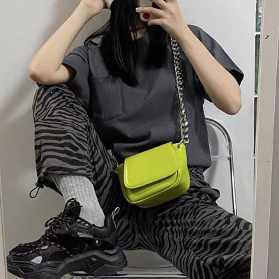 European and American fashion brand niche design retro metal chain saddle bag female 2021 new fashion wild cross-body chest bag