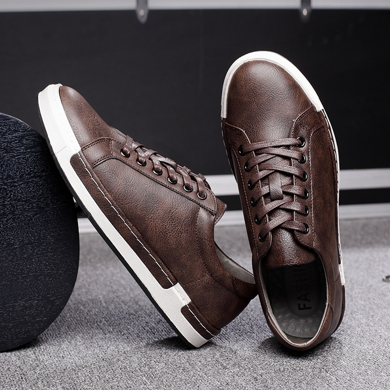 Zapatos casuales de cuero de los hombres Zapatillas de deporte de los hombres de Otoño de 2020 marca para Hombre zapatos de gamuza zapatos planos cómodos Hombre calzado Zapatillas Hombre