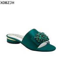Marque italienne sandales plates femmes chaussures de luxe 2019 été soie vert fête bout ouvert strass chaussures femme pantoufles