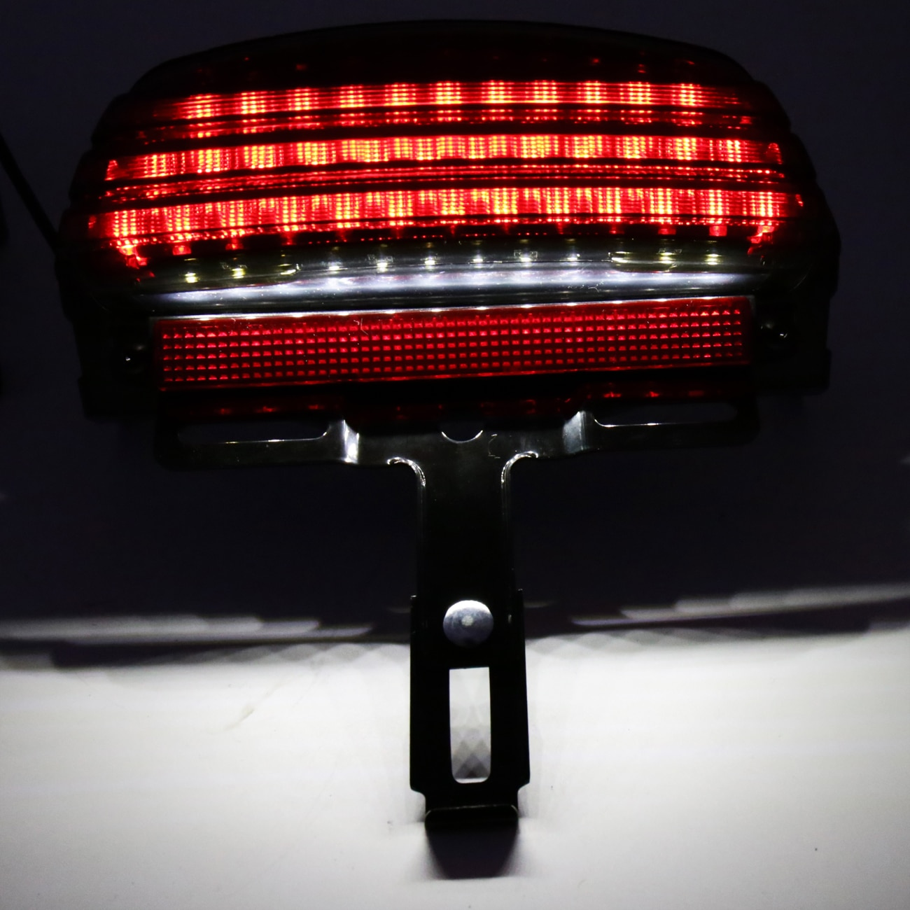 المدخن ثلاثي شريط درابزين LED الذيل ضوء الفرامل صالح ل هارلي سوفتيل 2006-2015 FXST FXSTB FXSTC نماذج