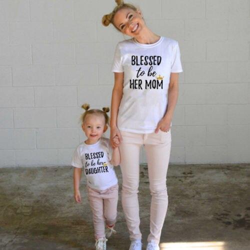 Одинаковые Семейные футболки для мамы и дочки; детская одежда для мамы и ребенка; одинаковые хлопковые повседневные футболки с короткими ру...