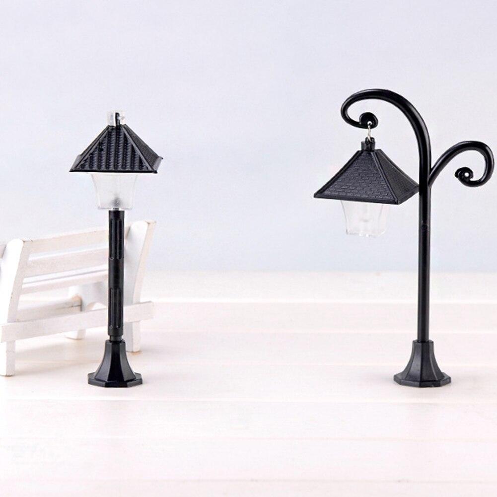 Mini figuritas luz ModelDIY planta Artesanías hechas a mano Micro paisaje accesorio decoración jardín farola miniatura musgo suculento