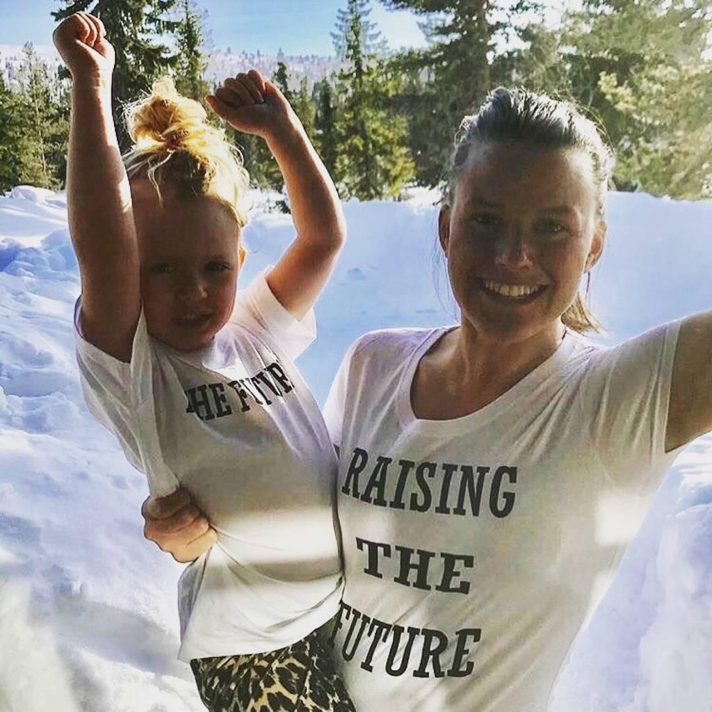 Conjunto de camisetas para mamá y yo criando el futuro, camisas para mamá y yo, Tops de verano para Familia, ropa a juego para mamá e hija, amor mamá