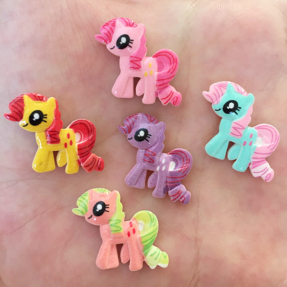 20 piezas de resina pintada a mano bonito caballo Flatback Stone Kids botones para libro de recortes Crafts W04 * 2