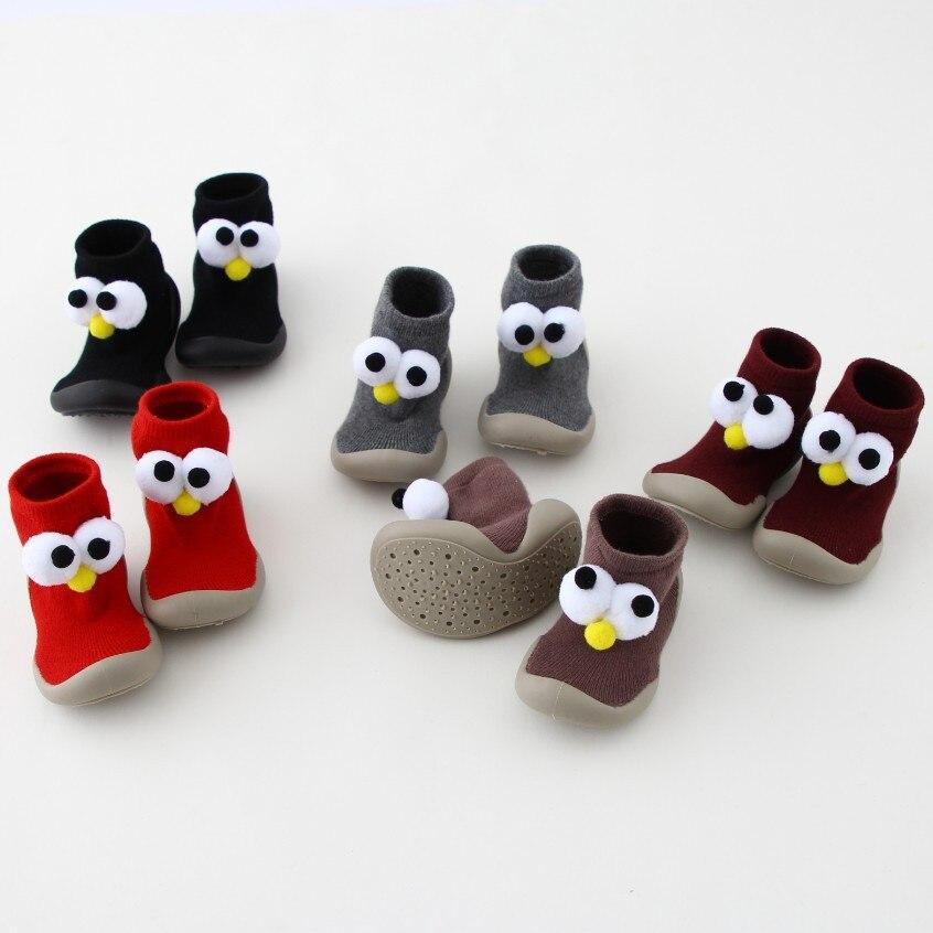 Новые стильные осенне зимние пушистые детские носки с помпоном детская обувь