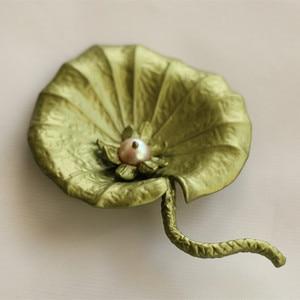 Free shipping  handmade natural pearls green lotus leaf brooch