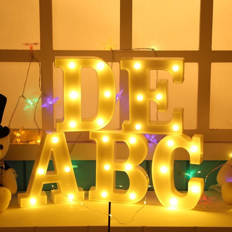 Luz Led de plástico 26 letras luz nocturna alfabeto marquesina señal luces colgante de interior lámpara de pared romántica atmósfera iluminación