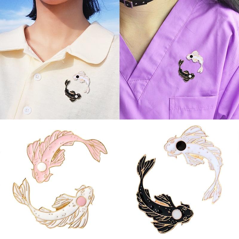 Fashion Cartoon Goldfish Brooches Pin Costume Collar Pin Cute Animal Fish   Carp Animal  Black and White Fish Brooch