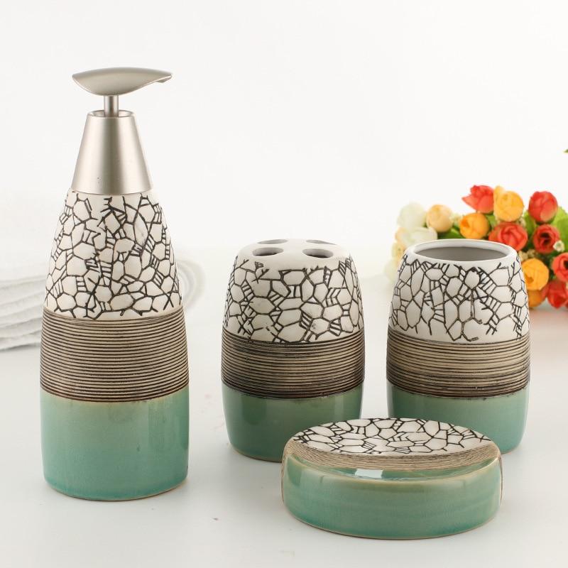 100% accesorios de baño de cerámica Conjunto de 4 piezas de juego de regalo de baño conjunto de soporte de cepillo de dientes plato de jabón incluyendo dispensador de jabón