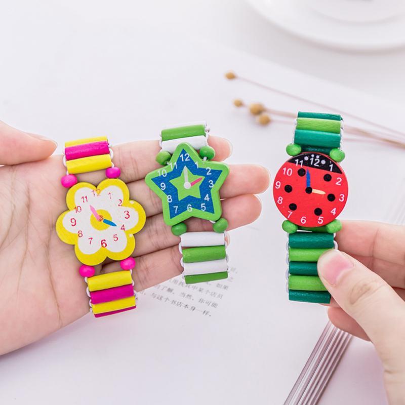 Relojes de pulsera de madera de dibujos animados para niños, relojes de pulsera, juguetes para niños y estudiantes, regalo de juguetes de Navidad, Color al azar
