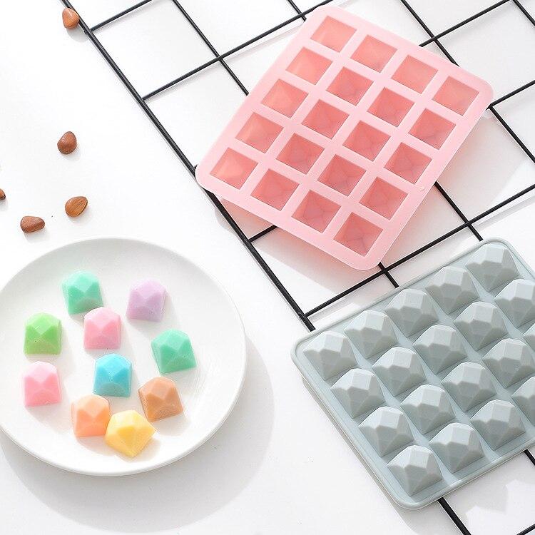 20 agujeros de dibujos animados de 3D forma no-Stick molde de pastel de silicona para hornear DIY magdalenas de jalea Mousse de Chocolate herramienta bandeja de hielo