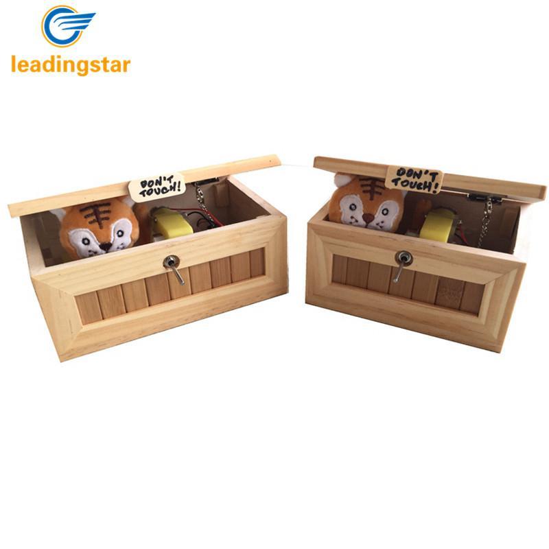 De madera de caja totalmente inútil Me deje solo caja más máquina inútil no Tigre juguete para regalo con luz de carga USB