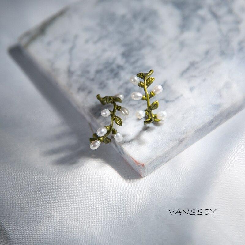 Vanssey Vintage flor rama hoja Natural de agua dulce perla verde recubrimiento latón aro pendientes accesorios de la boda para las mujeres