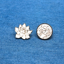 Sunrise Wave Brooches White Lotus Flower Enamel Pin for Boys Lapel Pin Hat/bag Pins Denim Jacket Shirt Women Brooch Badge SC4223