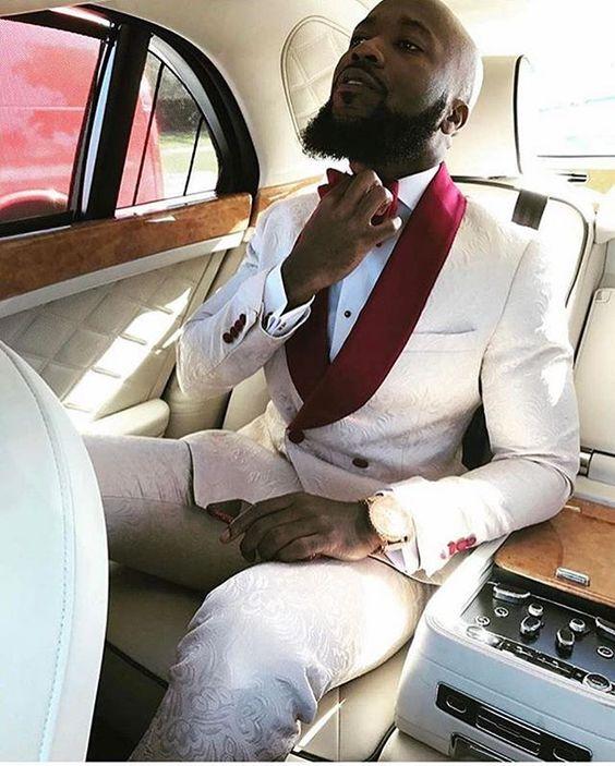 2017 Custom Made Groomsmen Shawl Lapel Groom Tuxedos Double Breasted Men Party Suits Wedding Best Man Blazer (Jacket+Pants+Bow)