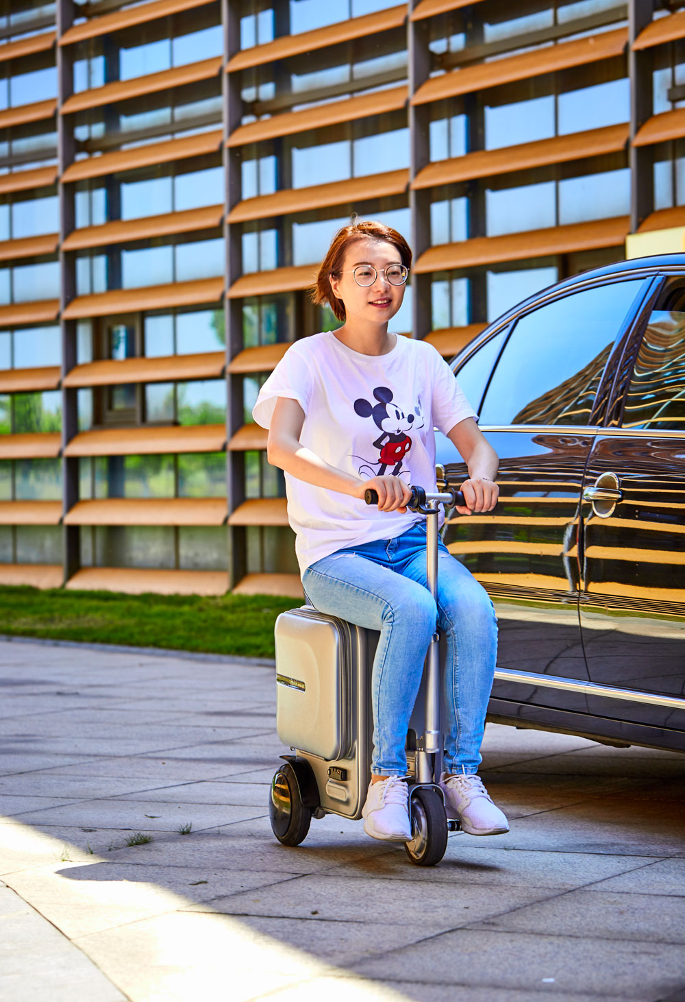 Electric Riding Trolley Travel Suitcase.Luxurious Intelligent Carry on Robot Luggage. ride trunk smart valise boarding bag.--2