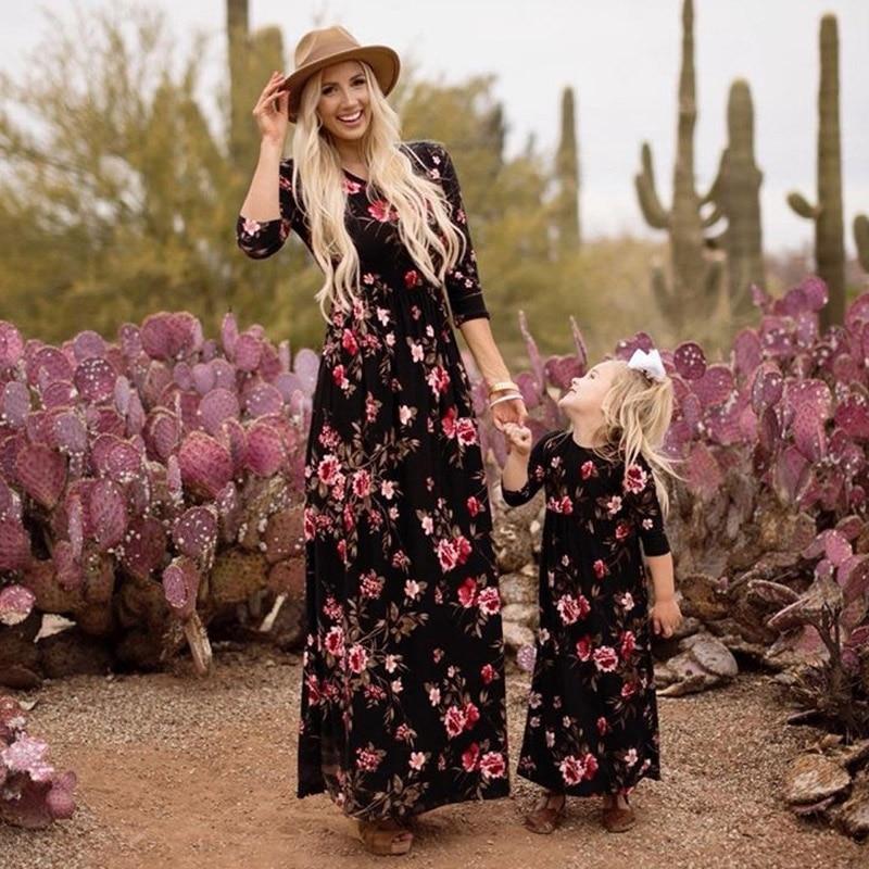2019 New Family Matching Outfits Women Beach Boho Long Maxi Dress Printed Long Sleeve Vintage Dresses Beach Mother Girl Sundress