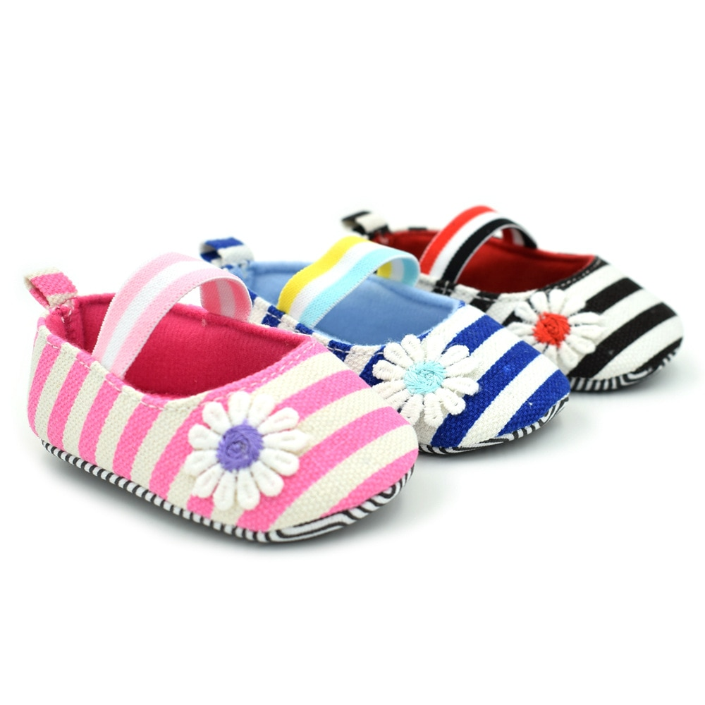 Four Seasons New Girls Striped small daisies Baby Shoes Female Treasure Princess 0-1 Toddler