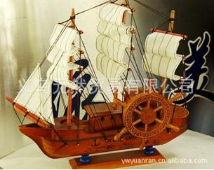 Productos de madera, velero de madera, barco pirata de madera maciza, navegación sencilla
