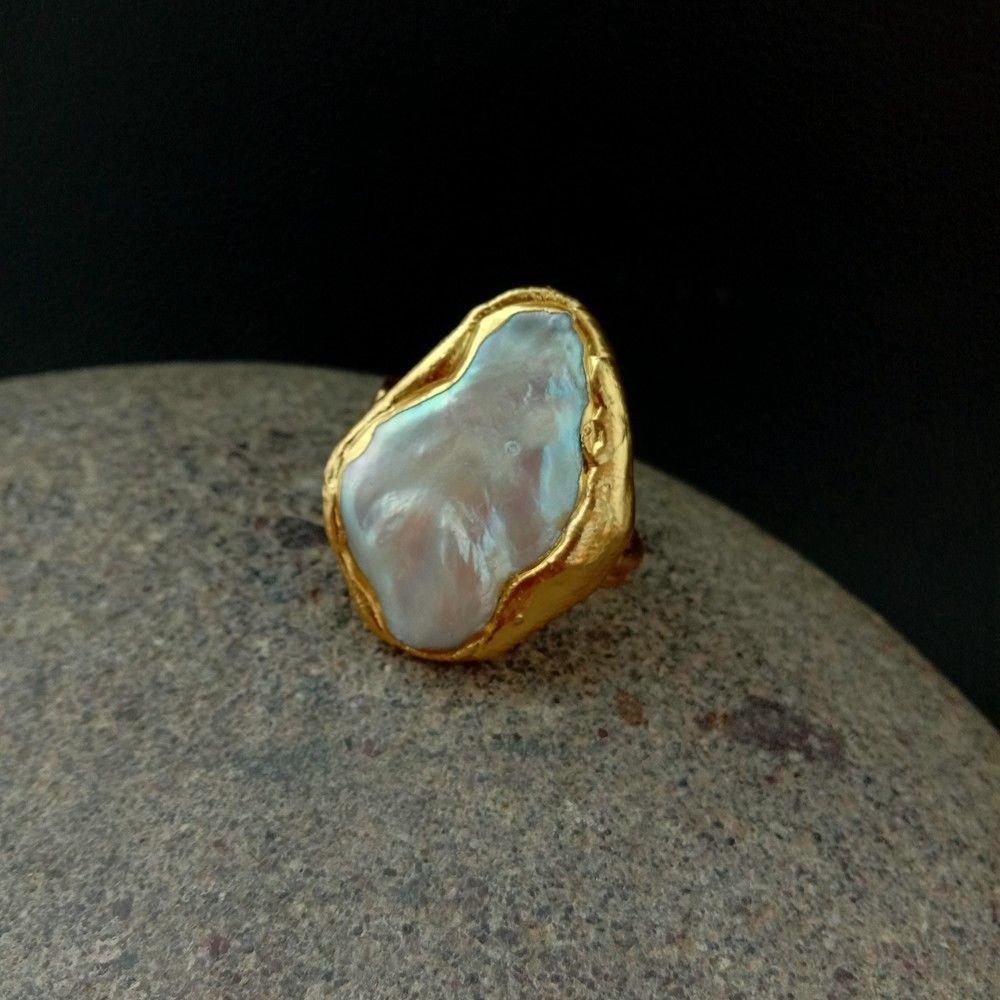 Кольцо с белым жемчугом Keshi, 24х31 мм, желтое, Золотое