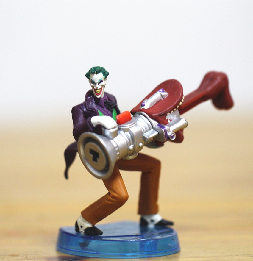 Neca-figuras de acción de PVC, payaso, Joker, Pennywise de It de Stephen King, regalo de Navidad y día de Halloween