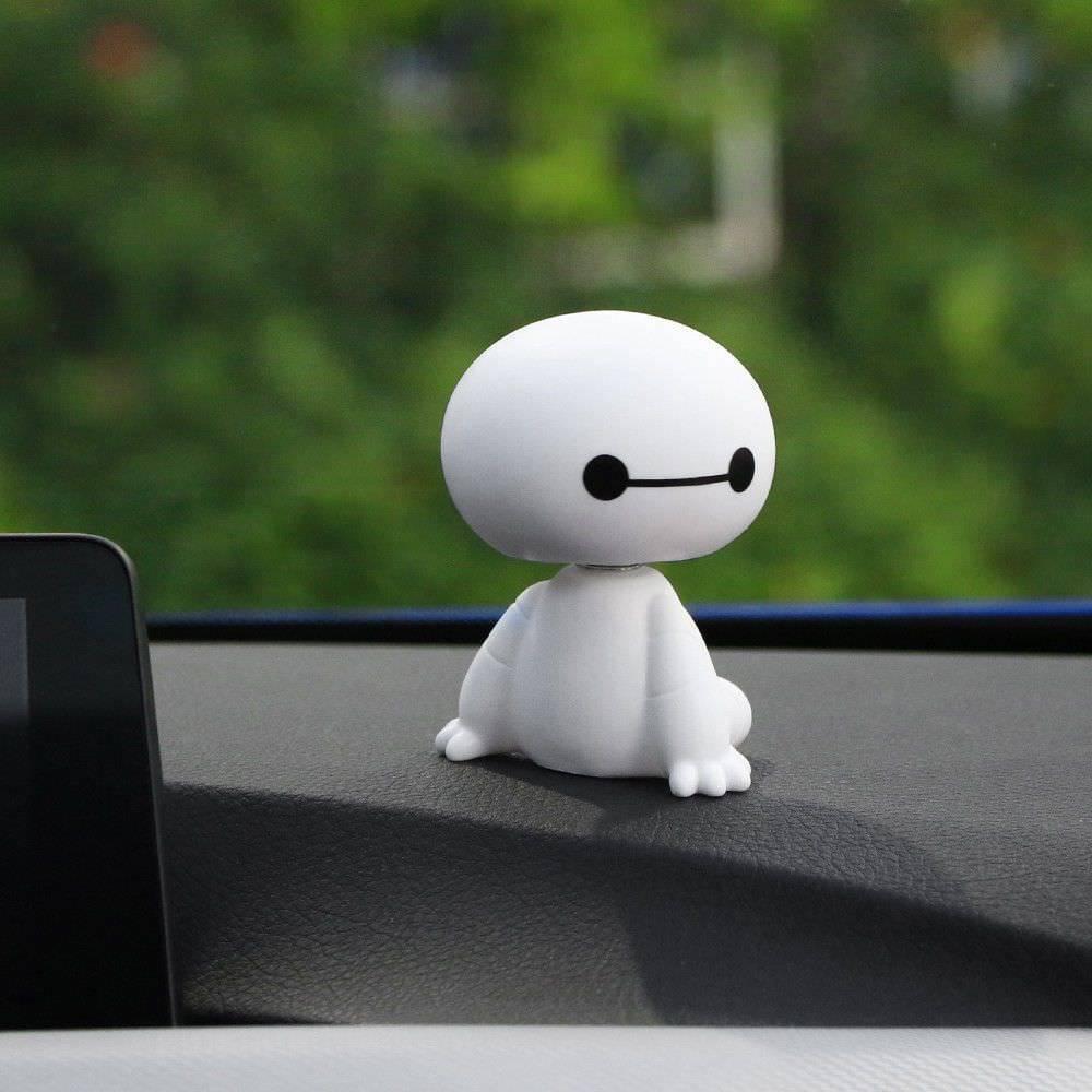 2018 de dibujos animados de plástico de robot baymax sacudiendo la cabeza figura auto adornos decoraciones interiores de automóviles muñeca juguetes de adorno coche-estilo
