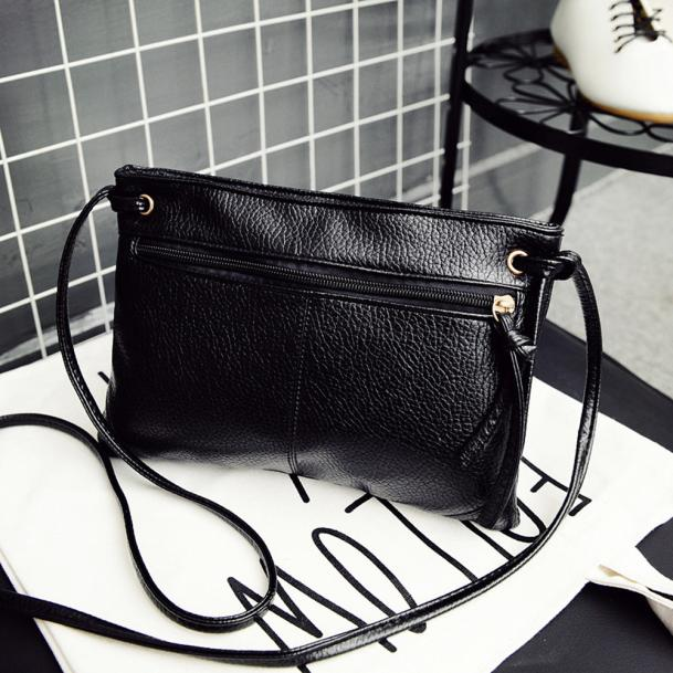 Bolsa de couro preto feminina, bolsa simples forma envelopada pequena de ombro crossbody mensageira # yj