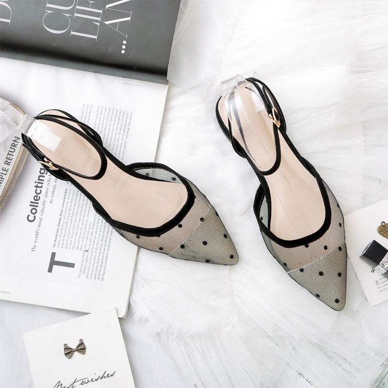 NOVEDAD DE VERANO 2019, estilo Polka dot, encaje de malla, planos de punta plana para mujer, confort versátil, hebilla de un botón con sandalias baotou