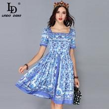 Vestido de verano LD LINDA DELLA Fashion Runway de manga corta informal Vintage azul y vestido hasta la rodilla con dibujo en blanco