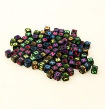 100 قطعة/الوحدة 6x6 مللي متر مكعب الخرز الأسود مع ألوان النيون متنوعة رسالة الاكريليك فضفاض الخرز للقلادة BSD126-99