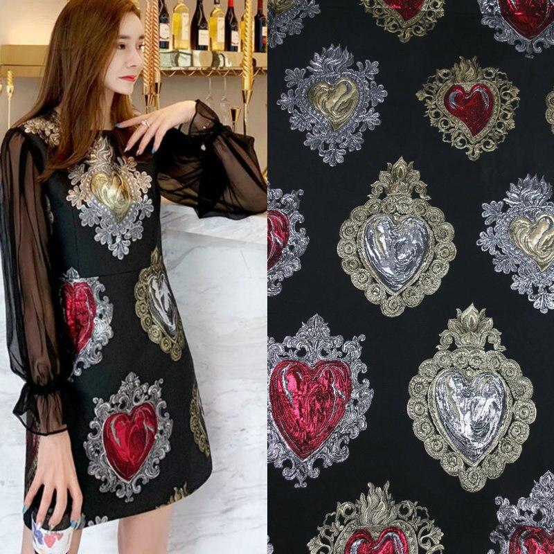 Tela jacquard bordada metálica con bordado 3D, hilo dorado en forma de corazón, tela teñida, tela de poliéster para vestido de mujer