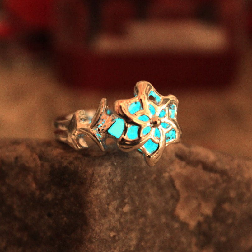 Ring of Water Glow In The Dark Nenya Fashion Galadriel Rings Original Luminous The Hobbit ring Glowing gift for girls