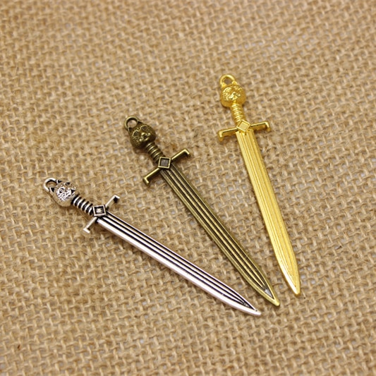 (15 unids/lote) colgantes de abalorios de espada de aleación de Metal de 14*67mm de tres colores juego throne John snow cat gran oferta