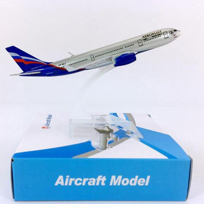 1: 400 avión Air RUSSIA Airbus A330-200 modelo W Base 16CM aleación avión exposición coleccionable colección de Juguetes