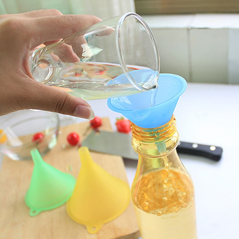 Nuevo 5 unids/set cocina práctica salsa de soja embudo de plástico pequeño medio aceite líquido cocina coladores de cocina Gadgets