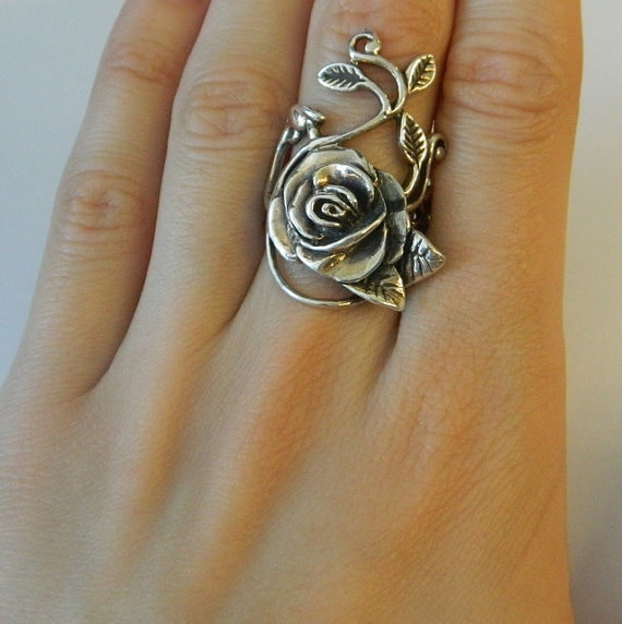 Anillo tallado de flor de Rosa grande hecho a mano de Color plateado antiguo, anillos florales de boda para mujeres, joyería antigua de compromiso