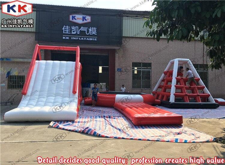Parque de juegos de agua con tobogán flotante para niños y adultos