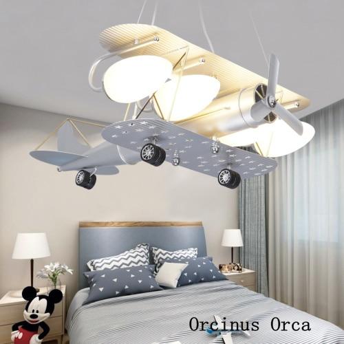 Lámpara de araña moderna creativa de plata para aviones, lámpara de techo LED de dibujos animados para dormitorio de niños