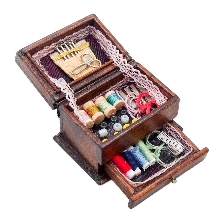 Миниатюрная винтажная швейная коробка с иголками Odoria 1:12, набор ножниц, аксессуары для украшения кукольного дома