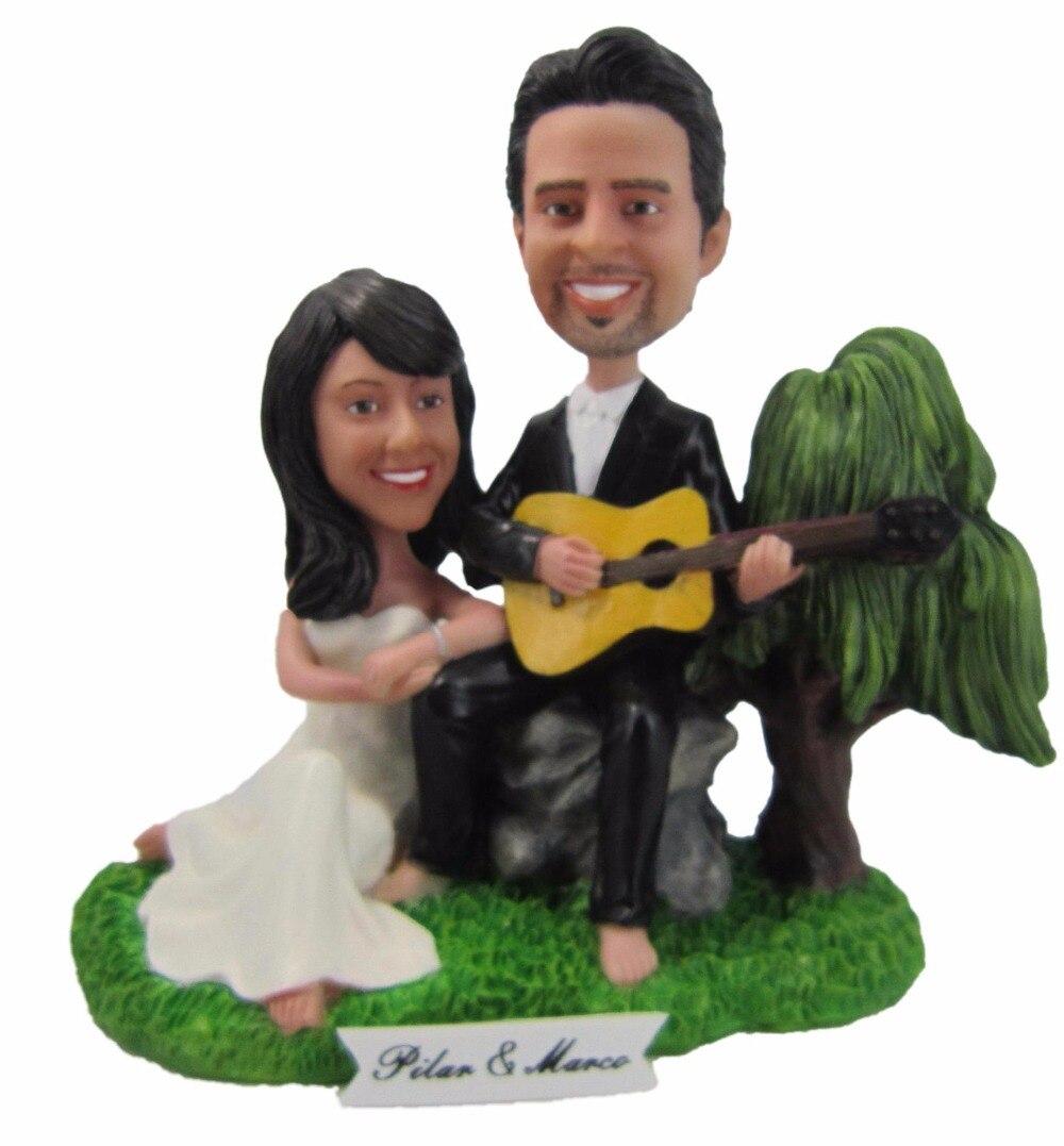 Expressar transporte livre boneca bobblehead Personalizado que joga a guitarra de presente de casamento decoração de casamento polyresin boneca Personalizada