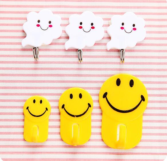 3 unids/set gancho de cara sonriente de dibujos animados Almacenamiento de cocina multifunción ganchos de plástico baño toallero estante de almacenamiento de pared LF 029