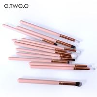 O.TWO.O 12PCS/SET Makeup Eye Brushes Set Wood Handle Eyeshadow Eyebrow Eyeliner Blending Powder Smudge Brush Kit