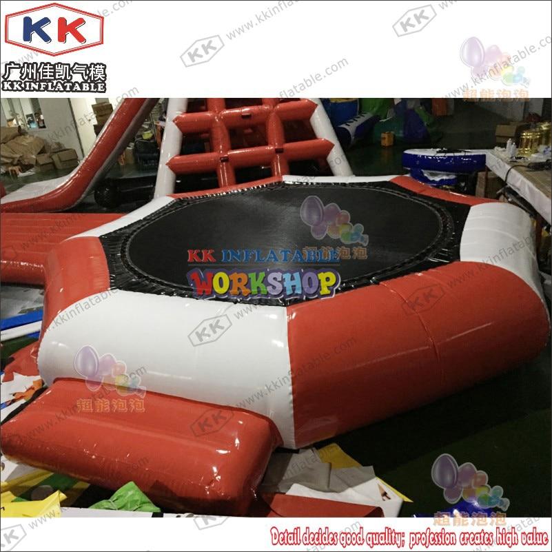 Trampolín inflable de la tierra del agua, equipos inflables del Parque del Agua flotante