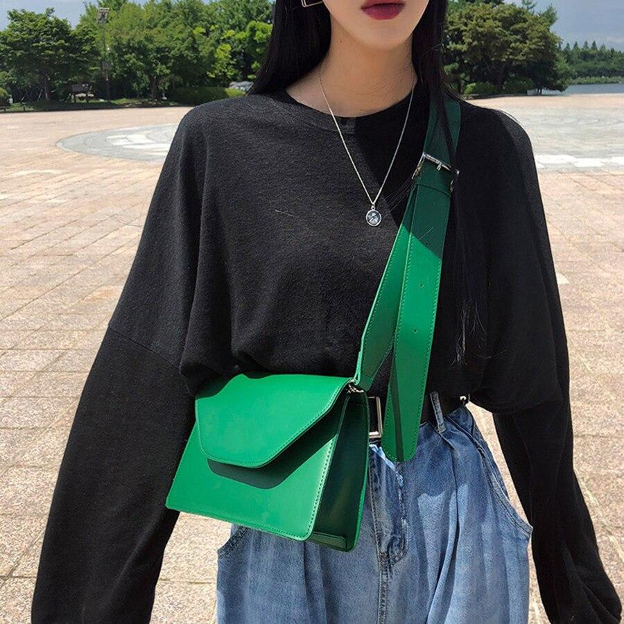 Yeni PU deri kadın askılı çanta tasarım küçük Flap çanta kırmızı renk Tofu şekli Mini kare benzersiz toka omuz Crossbody çanta