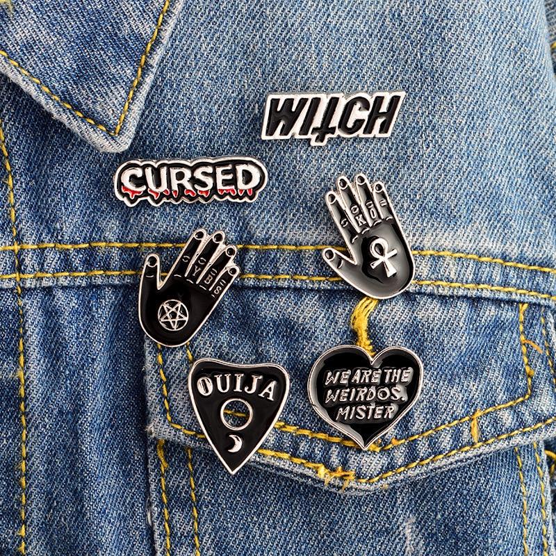 1 stks Black Magic Heks Palm OUIJA Hart Pictogrammen Cowboy Jas Originaliteit Metalen Cartoon Pin Badges Rugzak Decoratie Pins Icoon