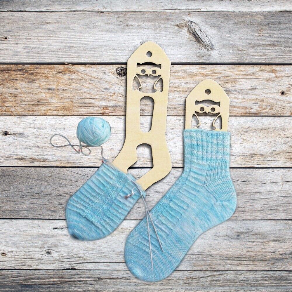 2 pcs de Madeira Bonito Da Coruja De Madeira Formas Meias Sock Formas de Bloqueadores de Macas Mão Meias De Malha Presente de Aniversário Namorada