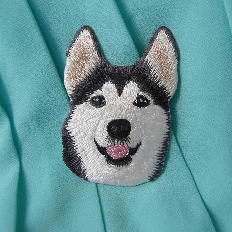 1 ud. De parches de pasta de tela de perro Husky Boutique Snow Dog, Parche de Animal, bordado de comercio exterior ruso, pegatinas de planchar tamaño 5,5 cm x 8cm