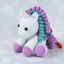 Amigurumi crochet mode licorne